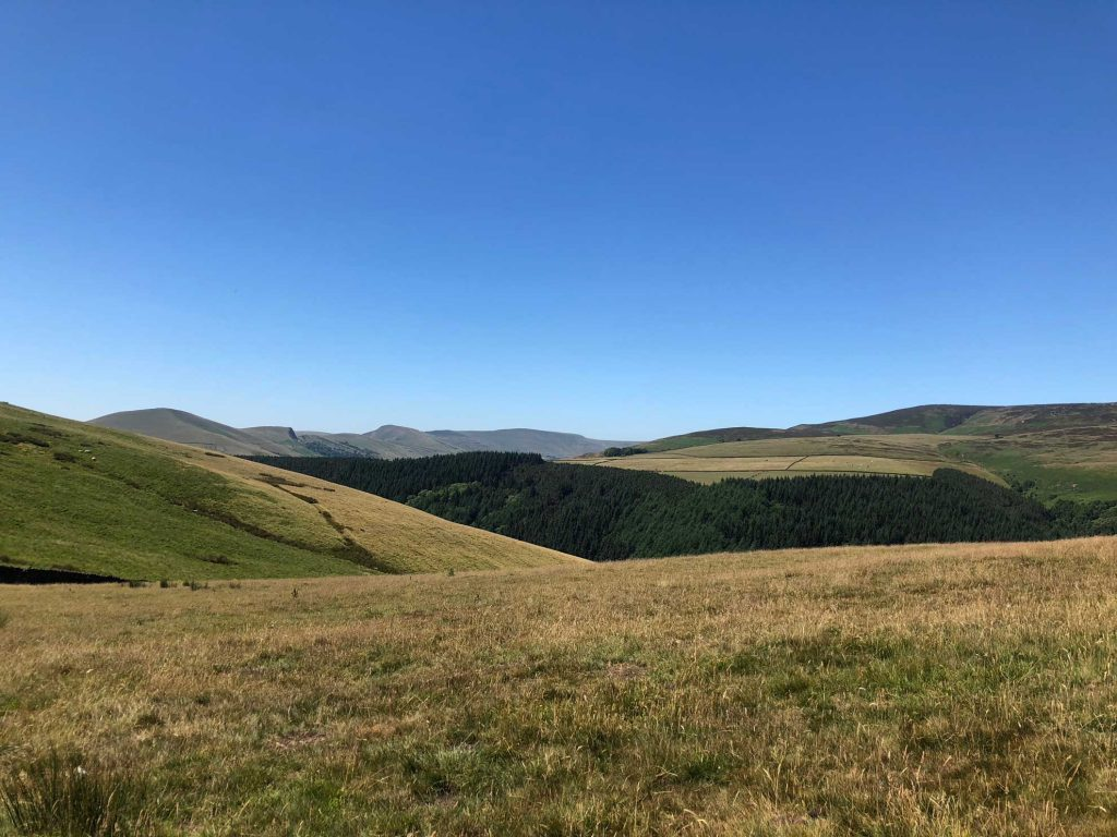 Kinderscout-and-mam-tor-view-from-Ladybower-Marathon-route